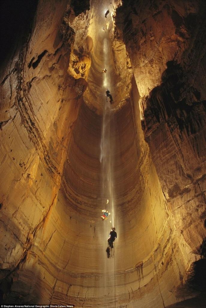 Corvo Cave - a caverna mais profunda do mundo Corvo Cave, Abkhazia, no mundo, caverna