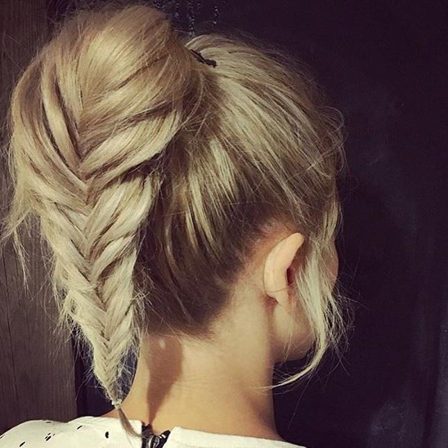 Прически косы или хвосты на длинные волосы