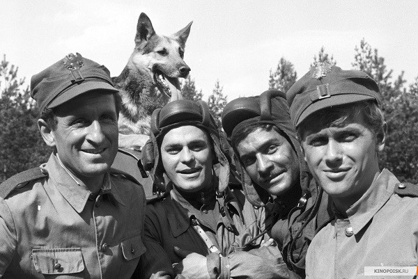 """""""Четыре танкиста и собака"""": взгляд через десятилетия война, история"""