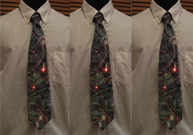 5. Светящийся LED-галстук. галстуки, странные люди
