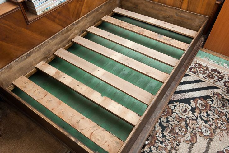 Кровать из фанеры своими руками: основные рекомендации для самостоятельного исполнения