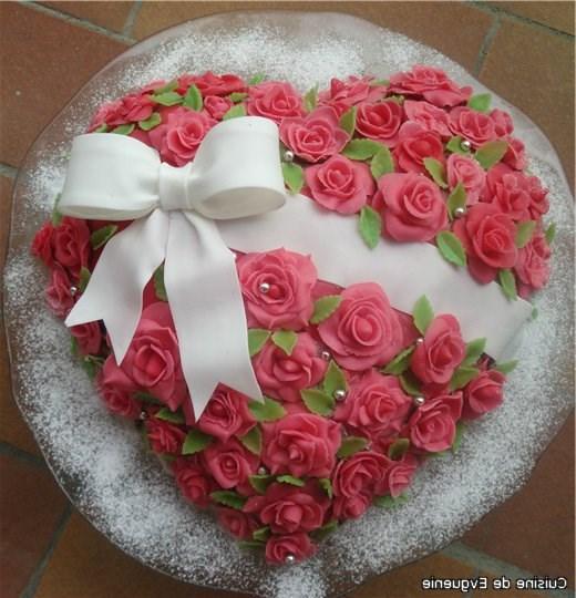 Красивые торты для женщины на день рождения