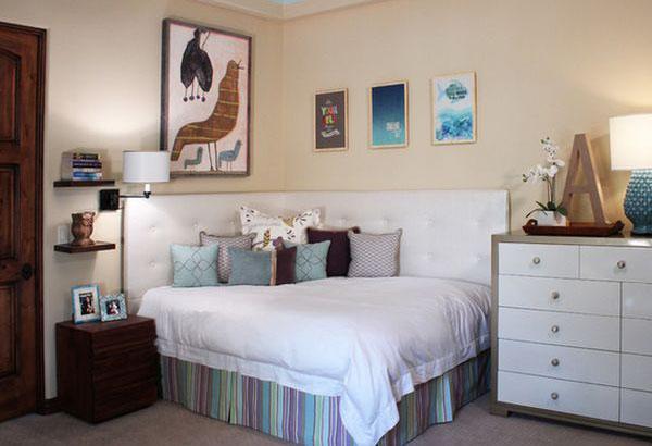 Угловые кровати: как сэкономить место
