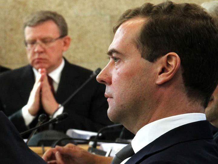 От любви до ненависти один шаг и правительство Медведева его благополучно сделало