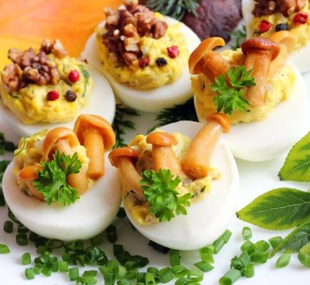 26 вариантов начинки для фаршированных яиц
