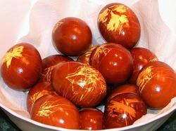 Окрашивание яиц к Пасхе натуральными красителями