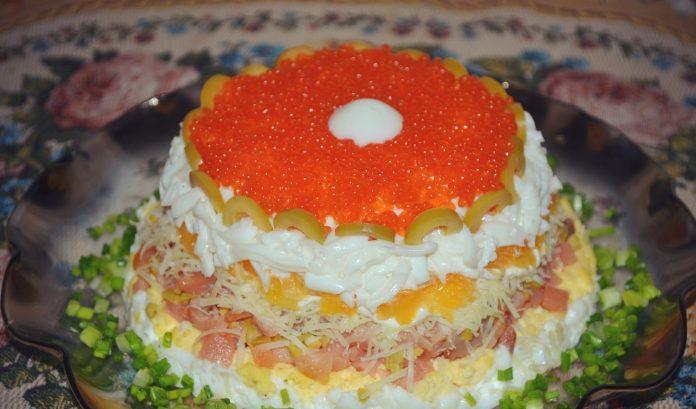 Новогодний салат с сёмгой и апельсином