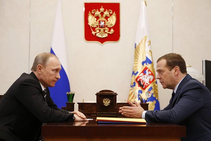 Путин готовит Медведева в президенты в 2018 году