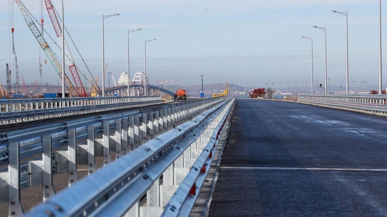 В России ответили на слова украинского генерала об уязвимости моста в Крым