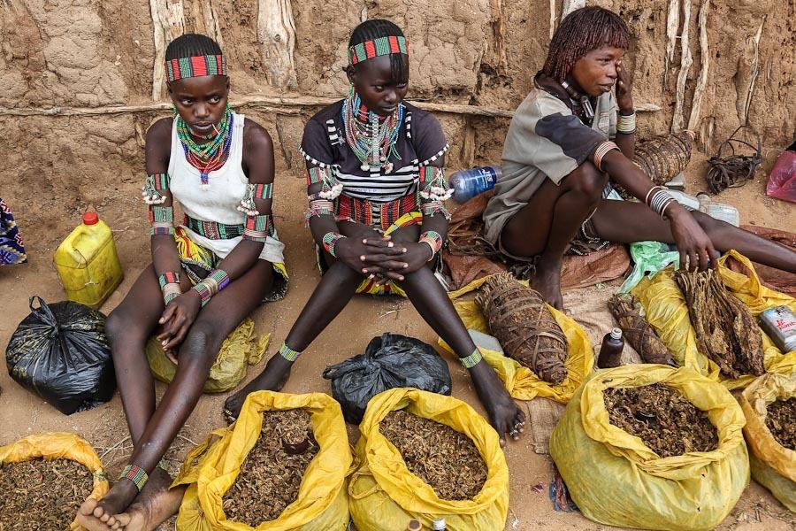 Как выглядит простой африканский базар :  коллекция  континента