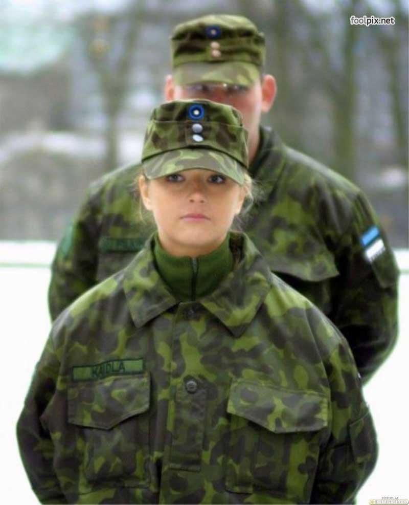 Девушки на службе в армии фото 14