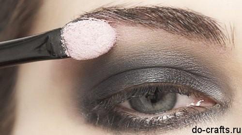 Как делать макияж глаз главная