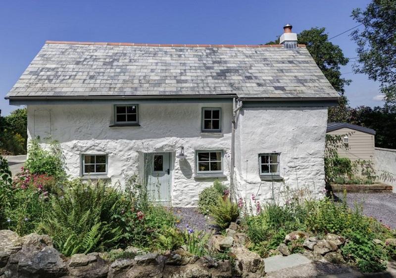 Этому дому 300 лет… Всё бы ничего, но только взгляни, ЧТО находится внутри!