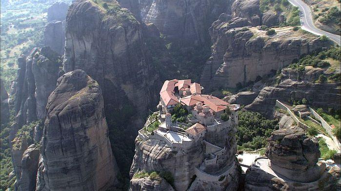 Фото Монастыри Метеоры, Греция. 21 (700x393, 67Kb)