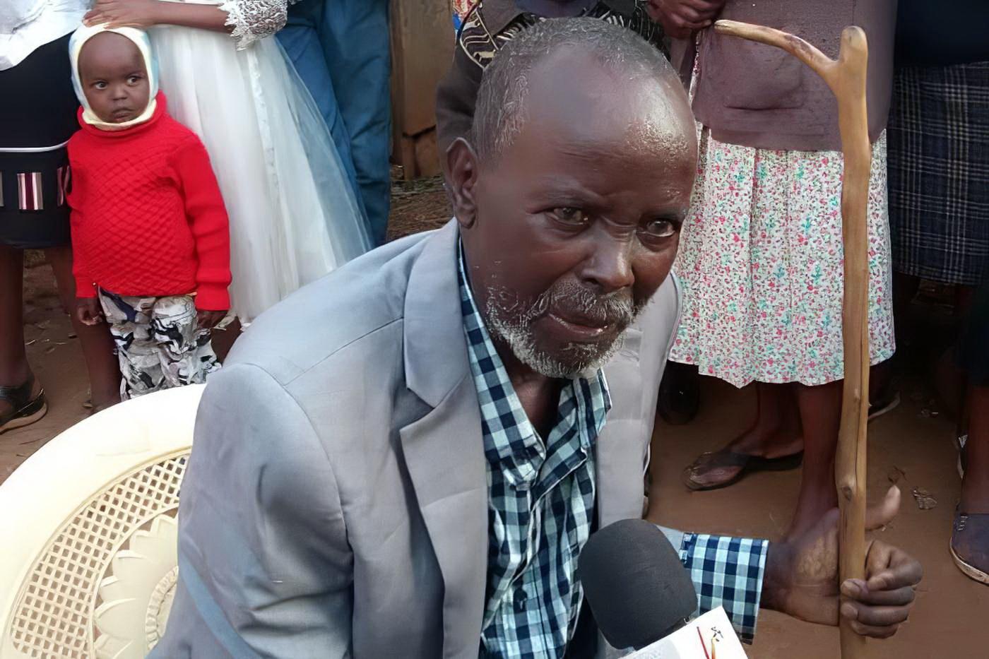 Через 50 лет кениец вернулся к жене и детям