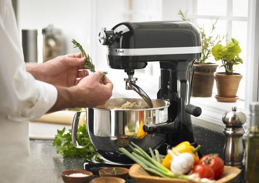 Кухонный комбайн — надежный помощник для фанатов кулинарии