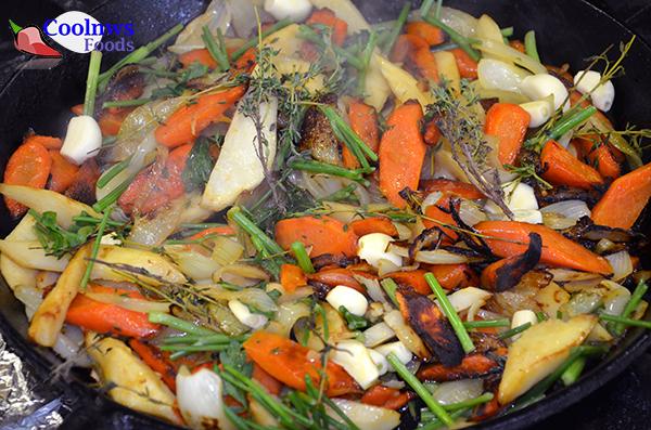 обжариваем овощи.
