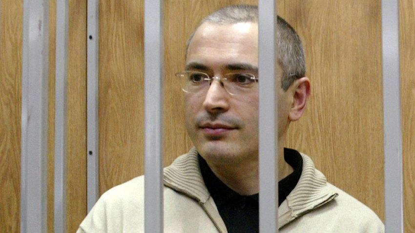 Паранойя и боязнь экстрадиции: Ходорковский напомнил о себе глупым иском в суд