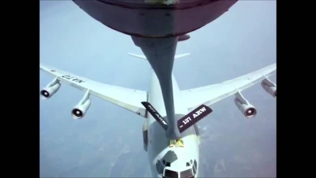 Эти видео из кабины пилотов удивят и испугают