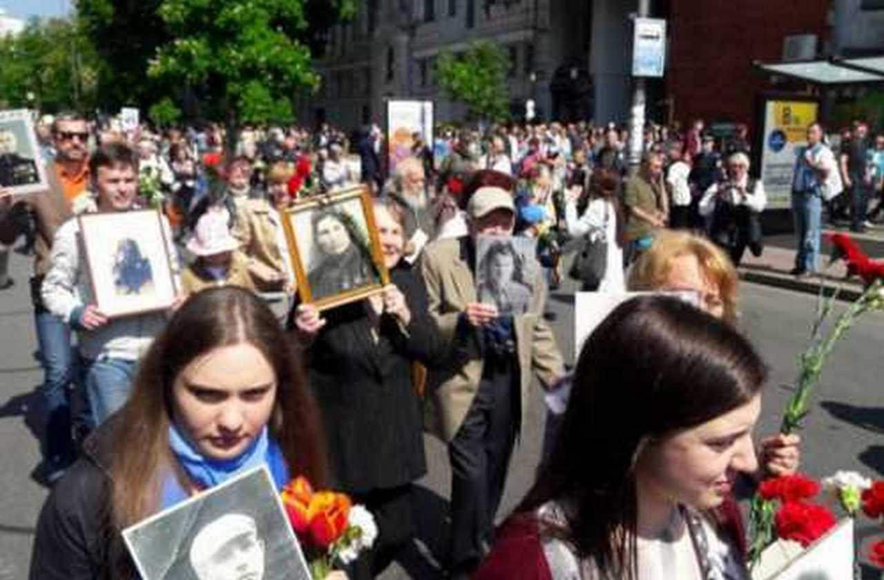 КИЕВ - ГОРОД-ГЕРОЙ и ВСЕМ, кто рискнул 2014-2017 - Низко склоняю голову, герои без оружия...