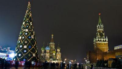 В полиции объяснили закрытие Красной площади большой очередью на каток