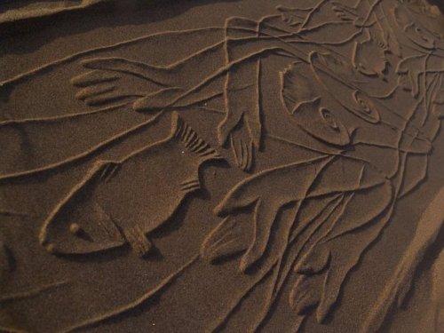 Орнаментальные рисунки на песке Ахмада Надальяна (17 фото)