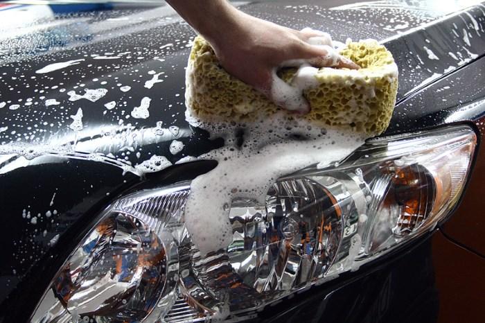 Как помыть машину своими руками