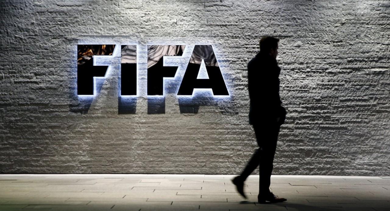 ФИФА потребовала от ФМС на время ЧМ-2018 выслать из России Расторгуева и Газманова