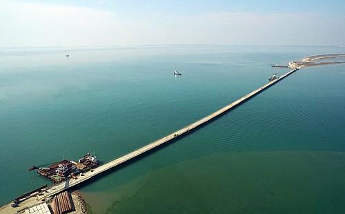 Первый мост на подступах к Крыму заработал