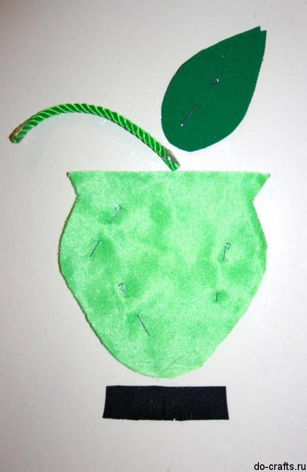 Яблоко из бархата-велюра 4