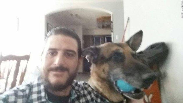 Мужчина нашел украденную собаку во время поисков нового домашнего любимца