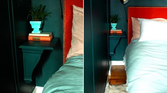 Незаметная полочка в углу возле кровати.