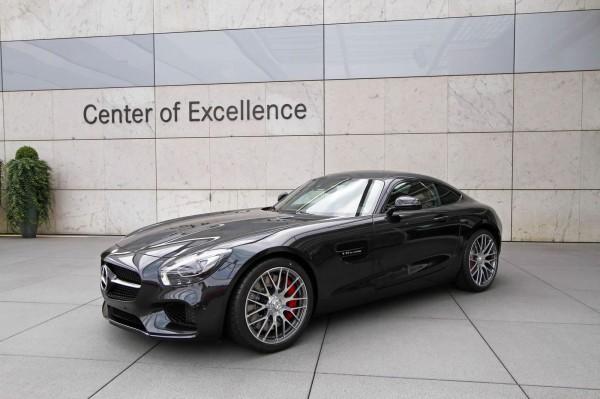 Mercedes-AMG GT выглядит отлично в черном