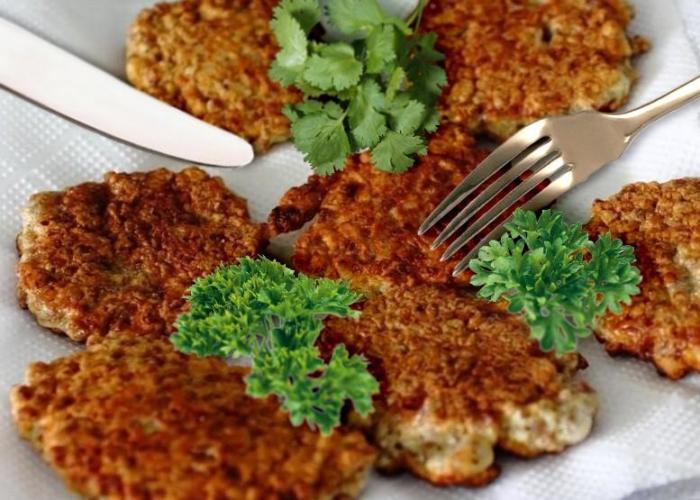 Гречневые оладьи на кефире из гречки быстро и вкусно.  Фото: 1000.menu.