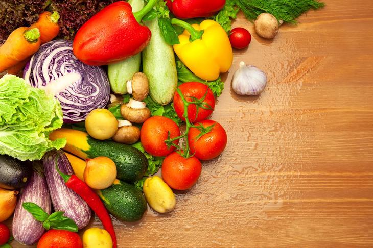 Свежие, сырые овощи