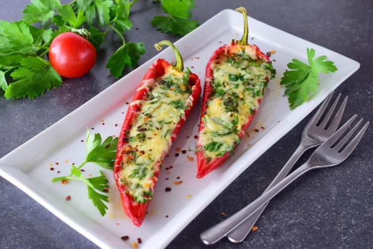 Что приготовить на обед в жаркий день? Три универсальных салата