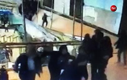 В Джакарте балкон с группой студентов обрушился в здании биржи