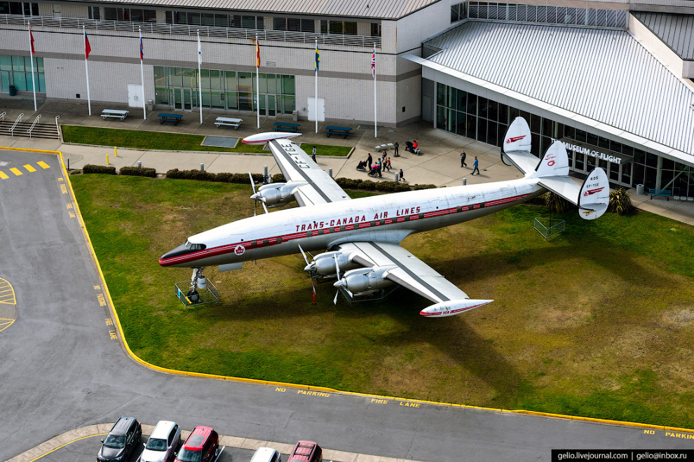 Музей авиации (Museum of Flight)