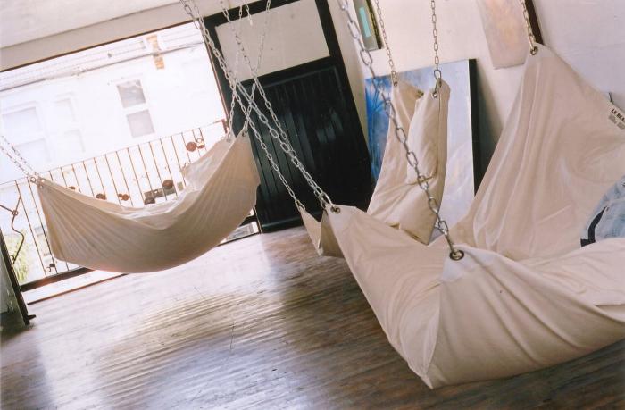 Кровать-гамак от Le Beanock.