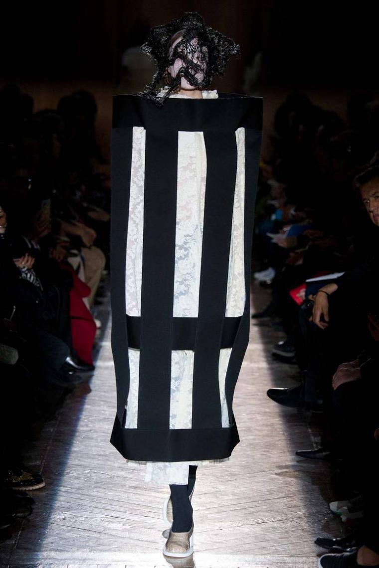 Высокая мода такая высокая, нам простым смертным не понять))))) (ВНИМАНИЕ очень много фото)