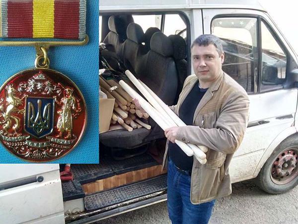 """Волонтер """"Евромайдана"""" и """"АТО"""", награжденный медалью, просит убежища в РФ"""
