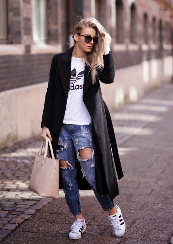 С чем носить рваные джинсы в рамках стиля спорт-шик