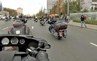Пять тысяч мотоциклистов приняли участие в мотопараде в Москве