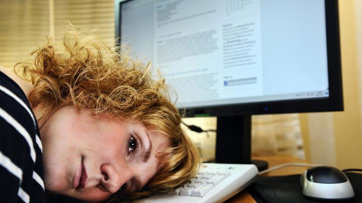 Ещё и учить самим надо?: Чиновнице, призвавшей родителей заменить учителей, открыли глаза