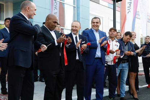 Игорь Алтушкин получил благодарность от Федерации бокса России