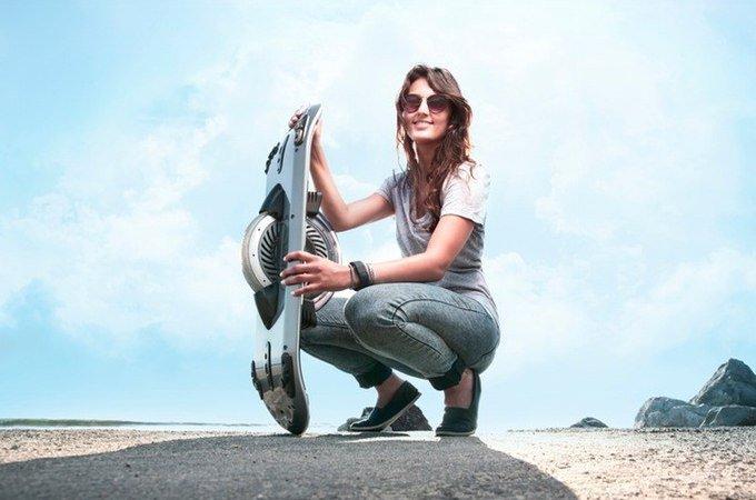 Электрический скейтборд с одним колесом