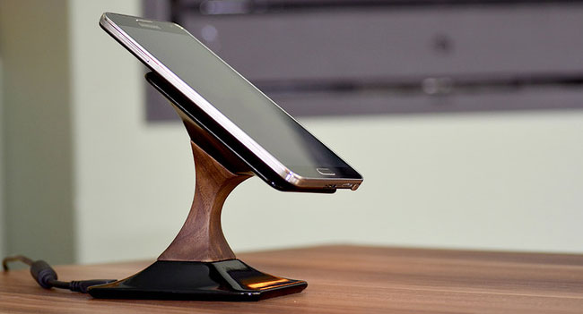 На Kickstarter собирают средства для выпуска оригинального беспроводного зарядного устройства Swich