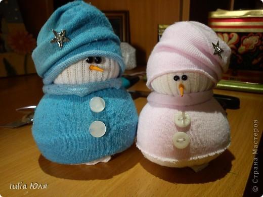 Мастер-класс Новый год Рождество Шитьё Снеговики из носков Бусины Карандаш Нитки Носки фото 1