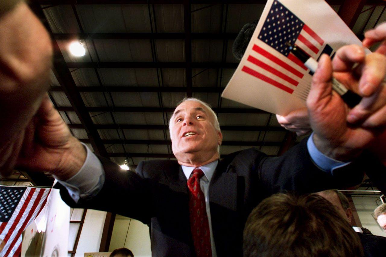 Почему Джон Маккейн продолжал поддерживать войны? Rolling Stone, США