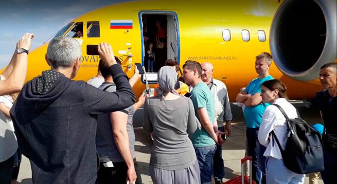 В «Домодедово» возмущенные пассажиры взяли штурмом самолет «Саравиа»